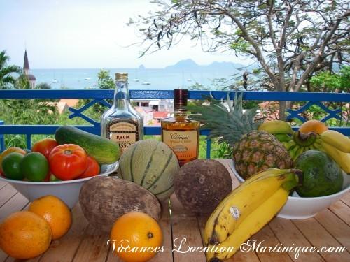 Fruits et légumes de Martinique achetés au marché local de Sainte-Anne qui a lieu tous les jours (juste en bas de la maison)