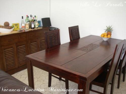 Meuble en teck, table et chaises en bois massif de mahogany
