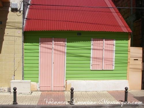 Saurez-vous retrouver cette maison créole dans le bourg de Sainte-Anne ?