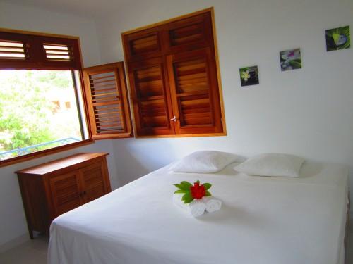 Suite avec salle de bain privée et lit super king size 2mX2m